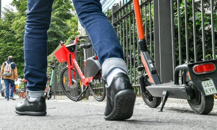 Frequently Asked Questions About Why Electric Scooters Are Not Legal In UK (1)